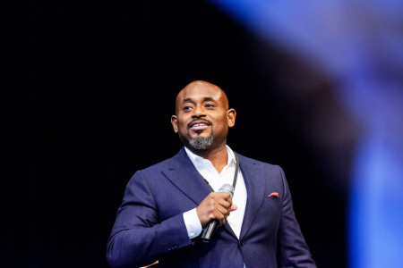 Steve Stoute talks about danger of upfront money